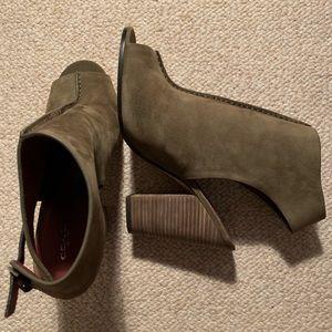 Sz 11 Olive Coach Peeptoe booties